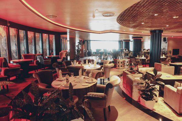 Ресторан Stingray (Баку, 2012–2014). Дизайнер: Улькяр Гусейн-заде