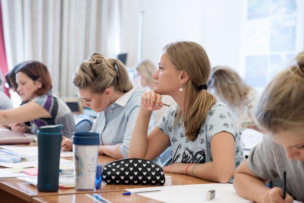Начались занятия в группе Летнего интенсива «Дизайн интерьера жилых помещений»!
