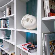 Преображение библиотеки: радиусный стеллаж от Макса Касымова украсил IDS!